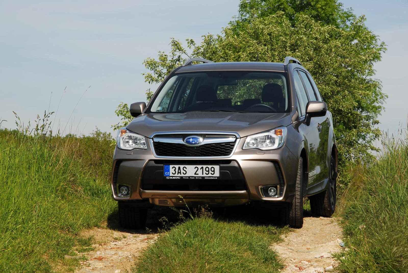 recenze test subaru forester 2 0 xt 2014. Black Bedroom Furniture Sets. Home Design Ideas
