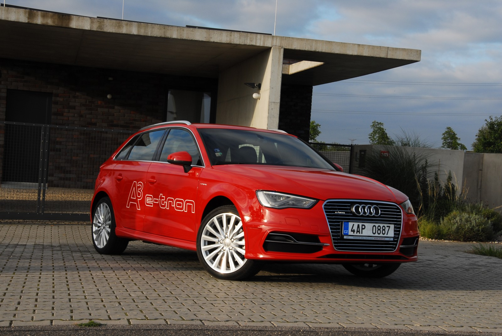 recenze test audi a3 sportback etron 2015. Black Bedroom Furniture Sets. Home Design Ideas