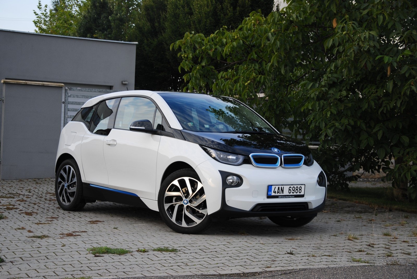 recenze test bmw i3 2015. Black Bedroom Furniture Sets. Home Design Ideas